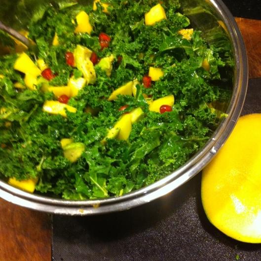 Salade mangue et kale