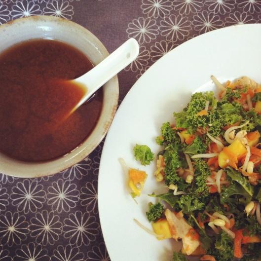 Salade de kale et pousses de soja